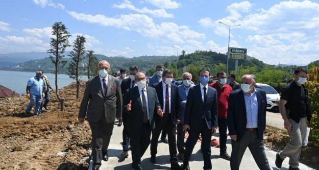 Araklı'da 7 farklı bölgeyi ve projeyi gezen heyet