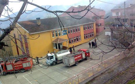 Araklı'da Okulda Yangın