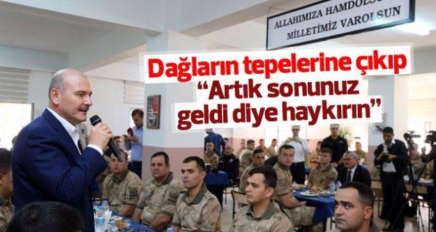 Bakan Süleyman Soylu Mehmetçik'le kahvaltıda buluştu...