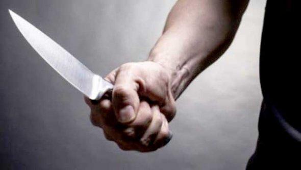 Çarşıbaşı'nda polise bıçaklı saldırı