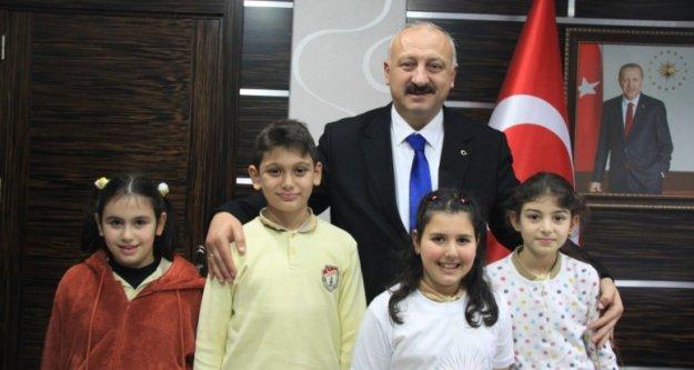 Miniklerden Başkan Çebi'ye Ziyaret