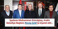 İşadamı Muhammet Gümüştaş, Araklı Belediye Başkanı Recep Çebi'yi ziyaret etti.