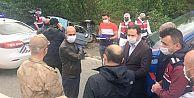 Trabzon Valisi Ustaoğlu, 3 kişinin hayatını kaybettiği kaza yerinde...