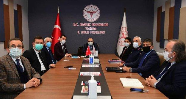 Trabzon'da  artan koronavirüs vakalarını kontrol altına almaya yönelik yeni tedbir ve uygulamalar görüşüldü.