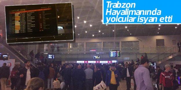 Trabzon Havalimanında yolcular isyan etti
