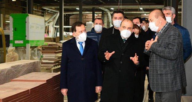 Vali Ustaoğlu, Arsin Organize Sanayi Bölgesi'nde incelemelerde bulundu
