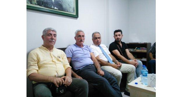 Yüksel ALİYAZICIOĞLU,  Trabzon Bayburtlular Derneği Başkanı Sadettin Okay'ı  ziyaret etti.
